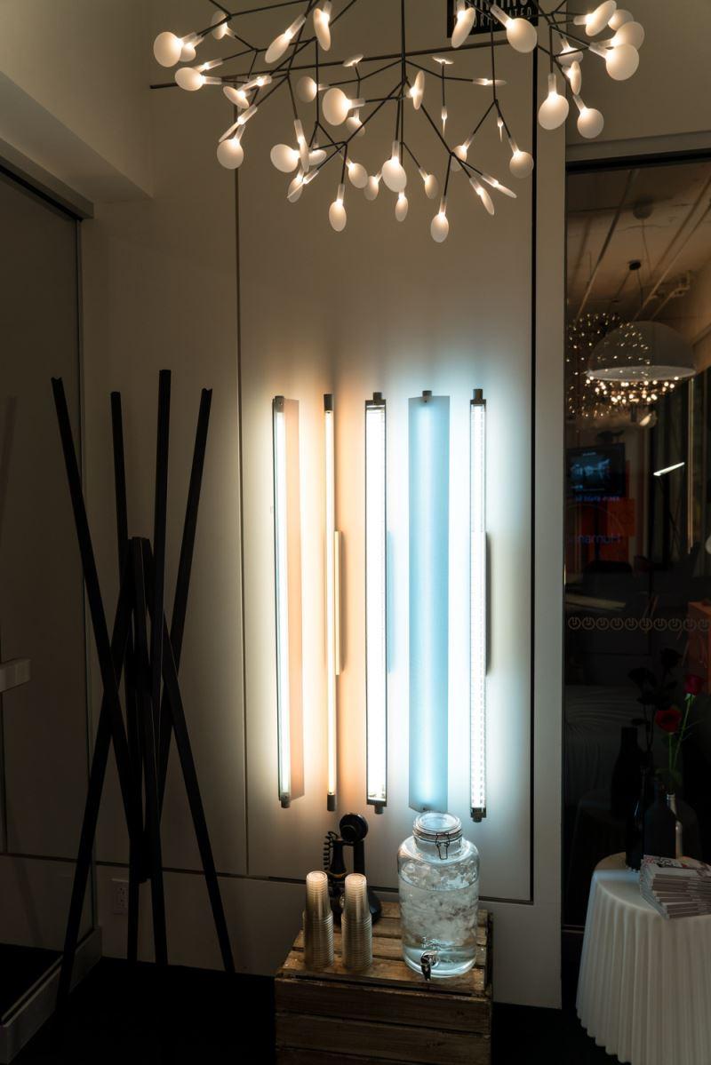 le studio luminaires une nouvelle boutique sign e lumigroup index. Black Bedroom Furniture Sets. Home Design Ideas