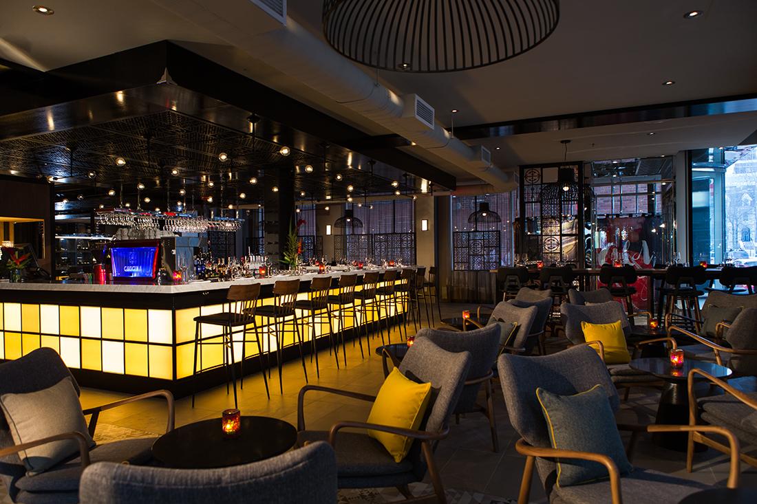 L 39 h tel renaissance montr al s isme cr atif sign camdi for Hotel design montreal