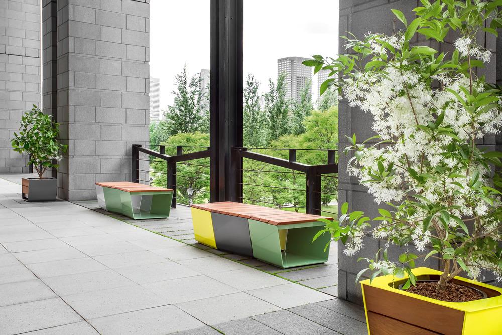 La collection de mobilier urbain exa par marc boudreau et for Mobilier urbain espace public