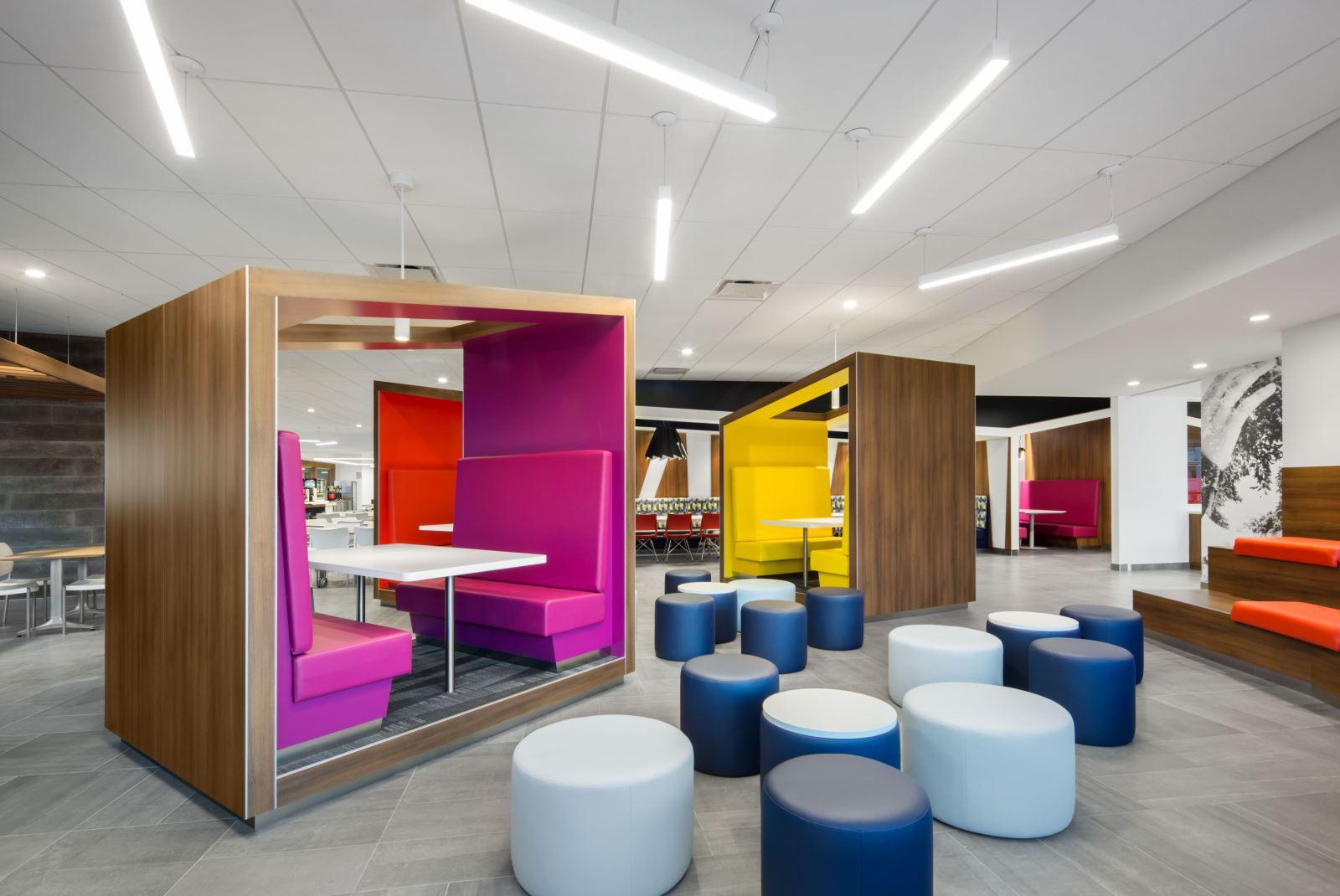 le district la nouvelle caf t ria de la banque nationale index. Black Bedroom Furniture Sets. Home Design Ideas