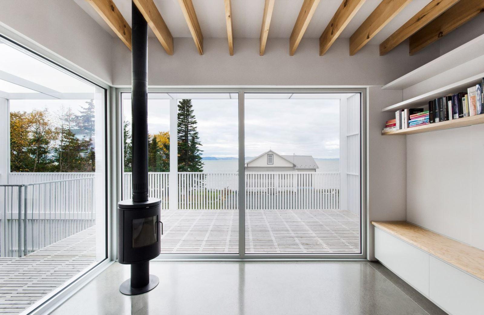 Visite guid e une maison g om trique par atelier pierre for Joint pierre exterieur terrasse